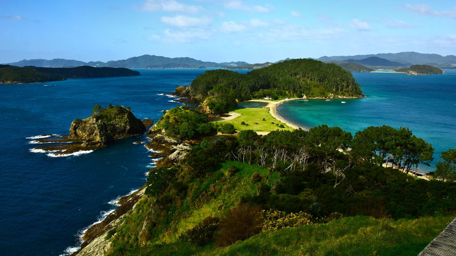 New Zealand Picture: New Zealand–The Bay Of Islands In New Zealand, Australia