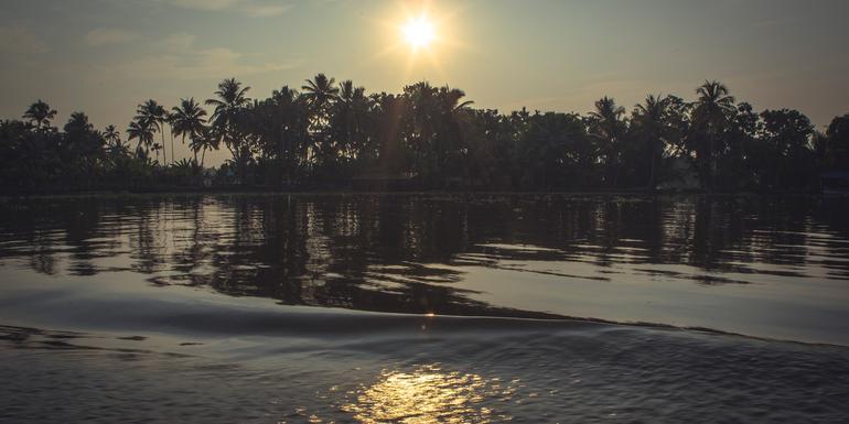 Cover Image of Kerala Beaches & Backwaters