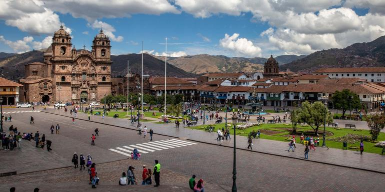 Cusco Day Tour: Scenic and City Highlights by Foot (half day)