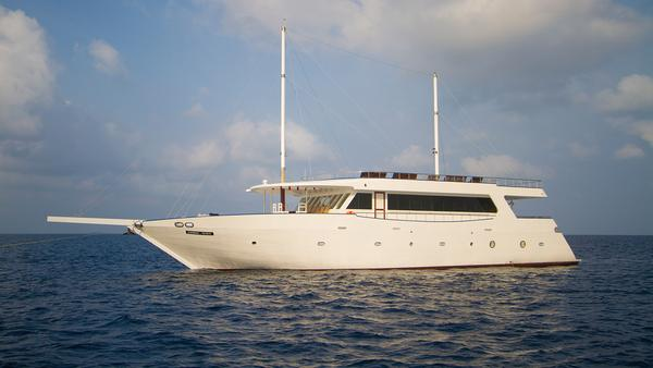 Sailing Maldives Travel Aboard Our Dhoni Boats G Adventures