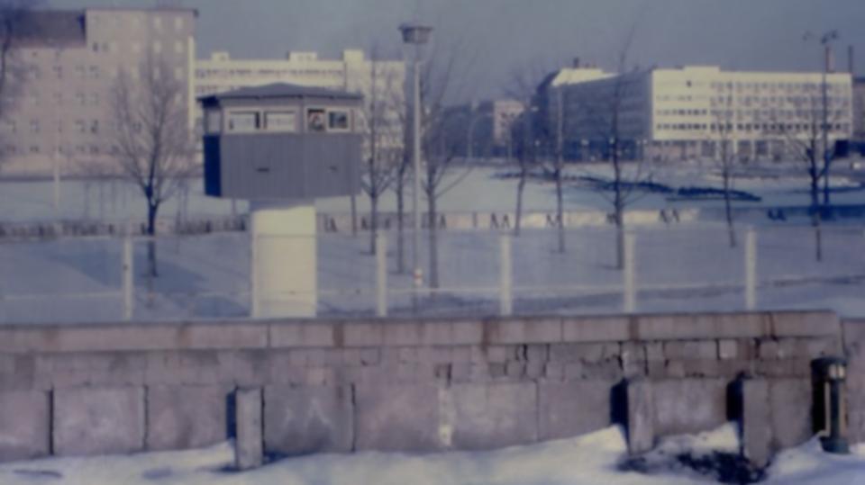 Understanding The Berlin Wall G Adventures