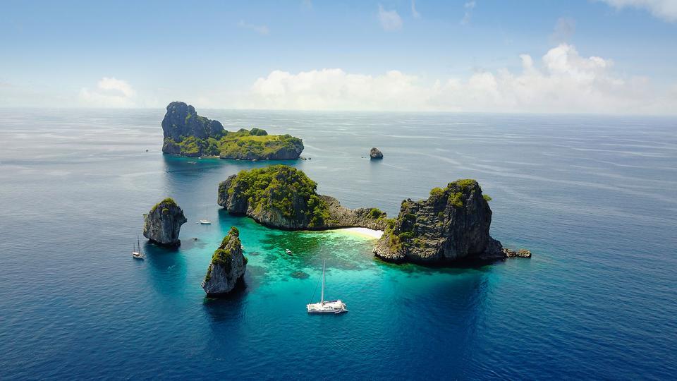 Sailing Tours - G Adventures
