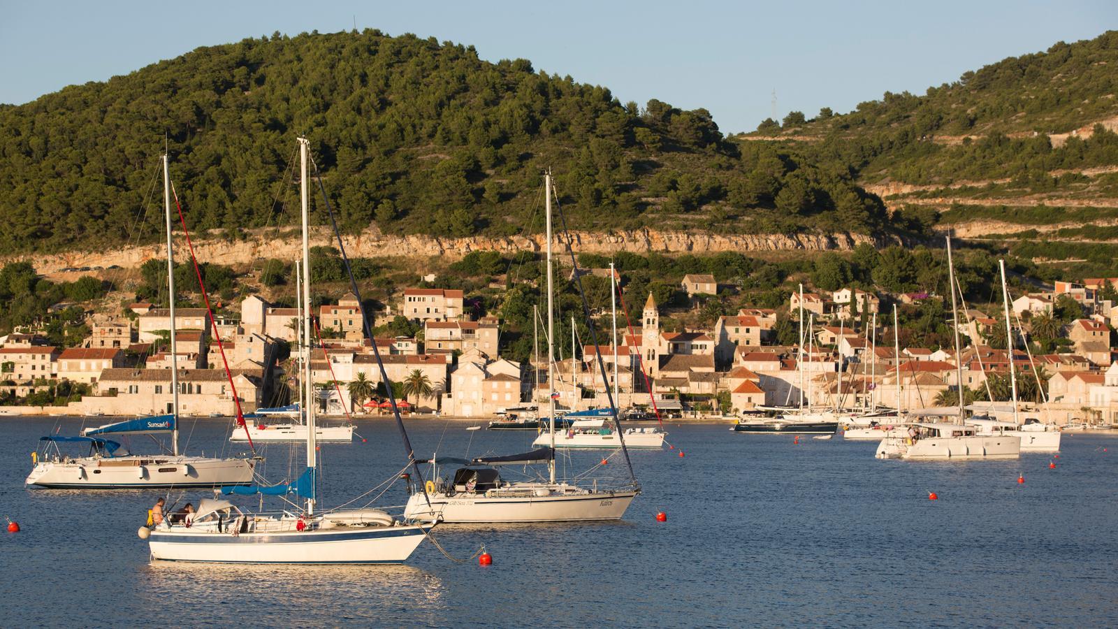 Sailing Croatia to Italy