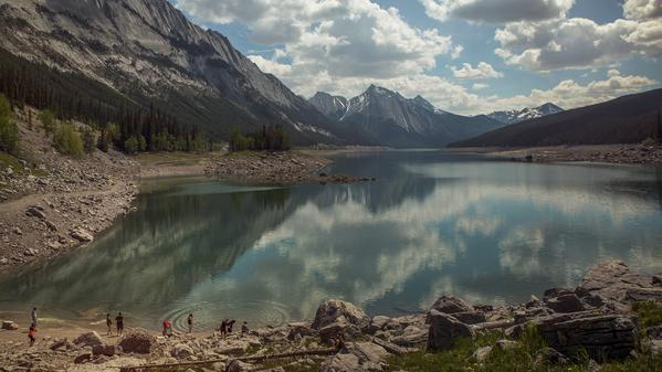 With some of the most breathtaking scenery in the world it's no surprise that Alberta and BC make our Pics of the Week.
