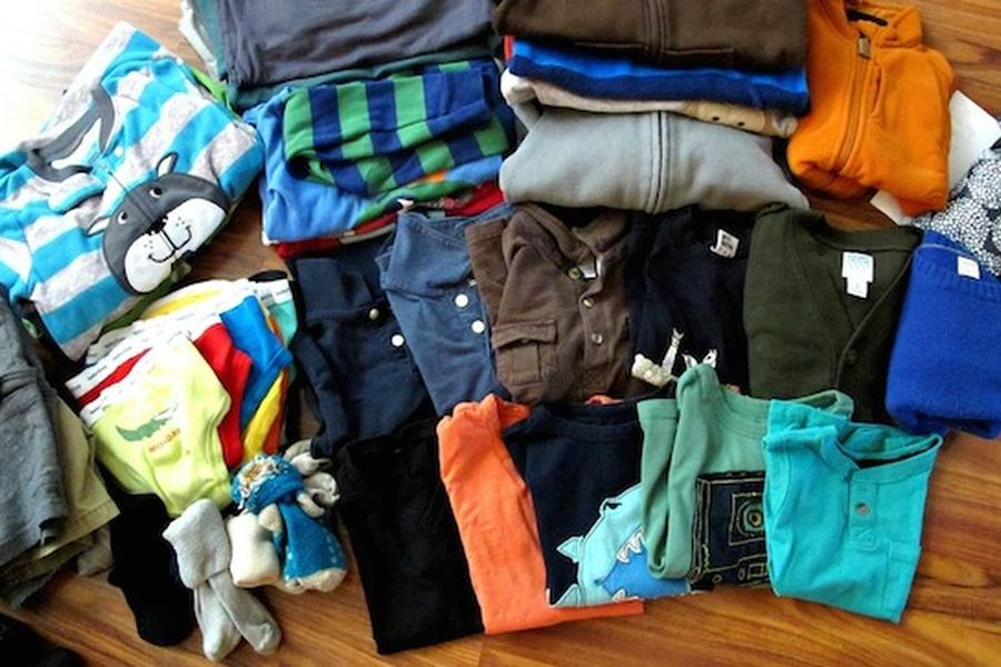 Family blogger Jenna Francisco shares her tips for packing for a family trip on the Looptail.