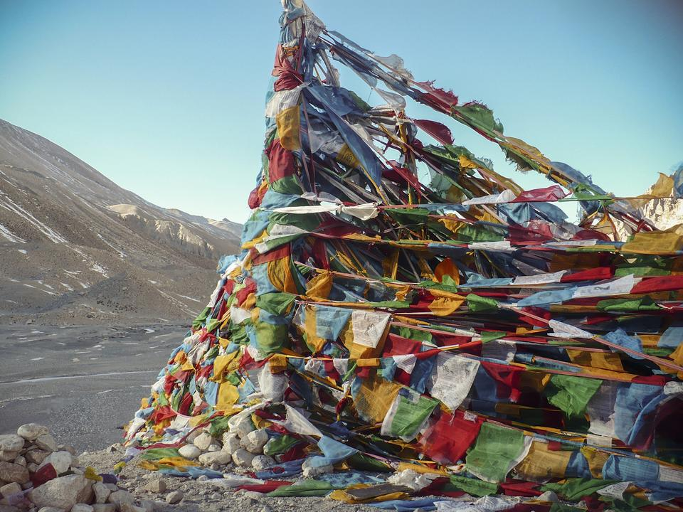 5 things you should know about tibetan prayer flags g adventures