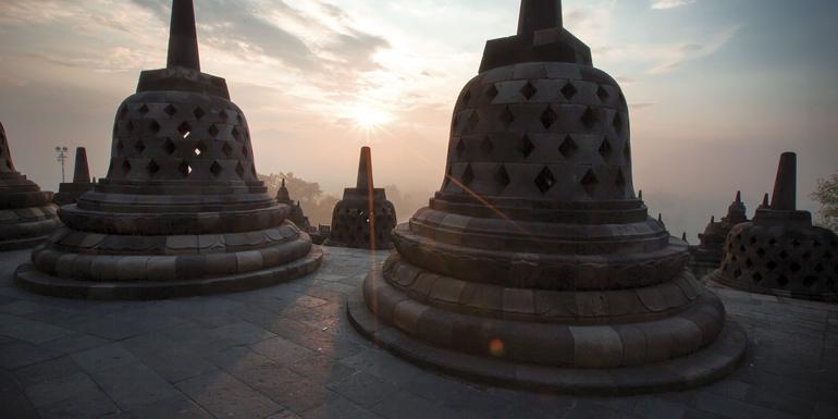 Cover Image of Explore Bali & Java
