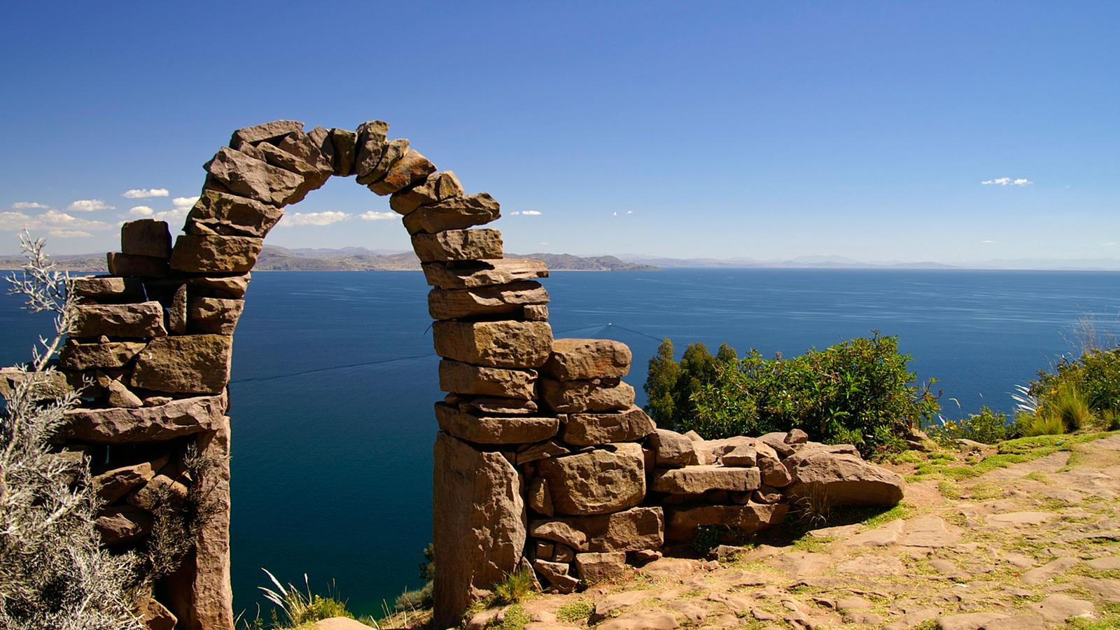 Lake Titicaca Island Tours