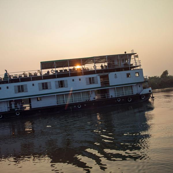 India River Cruise–Ganges Encompassed