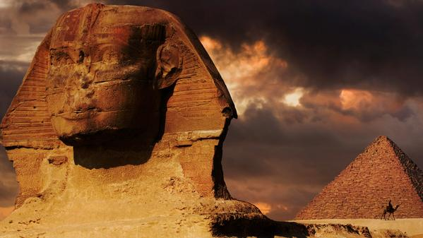 Turn the pages of more than 30 centuries on this whistle-stop tour of Egypt's history.