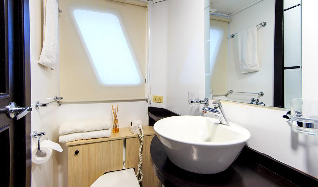 Cabin washroom