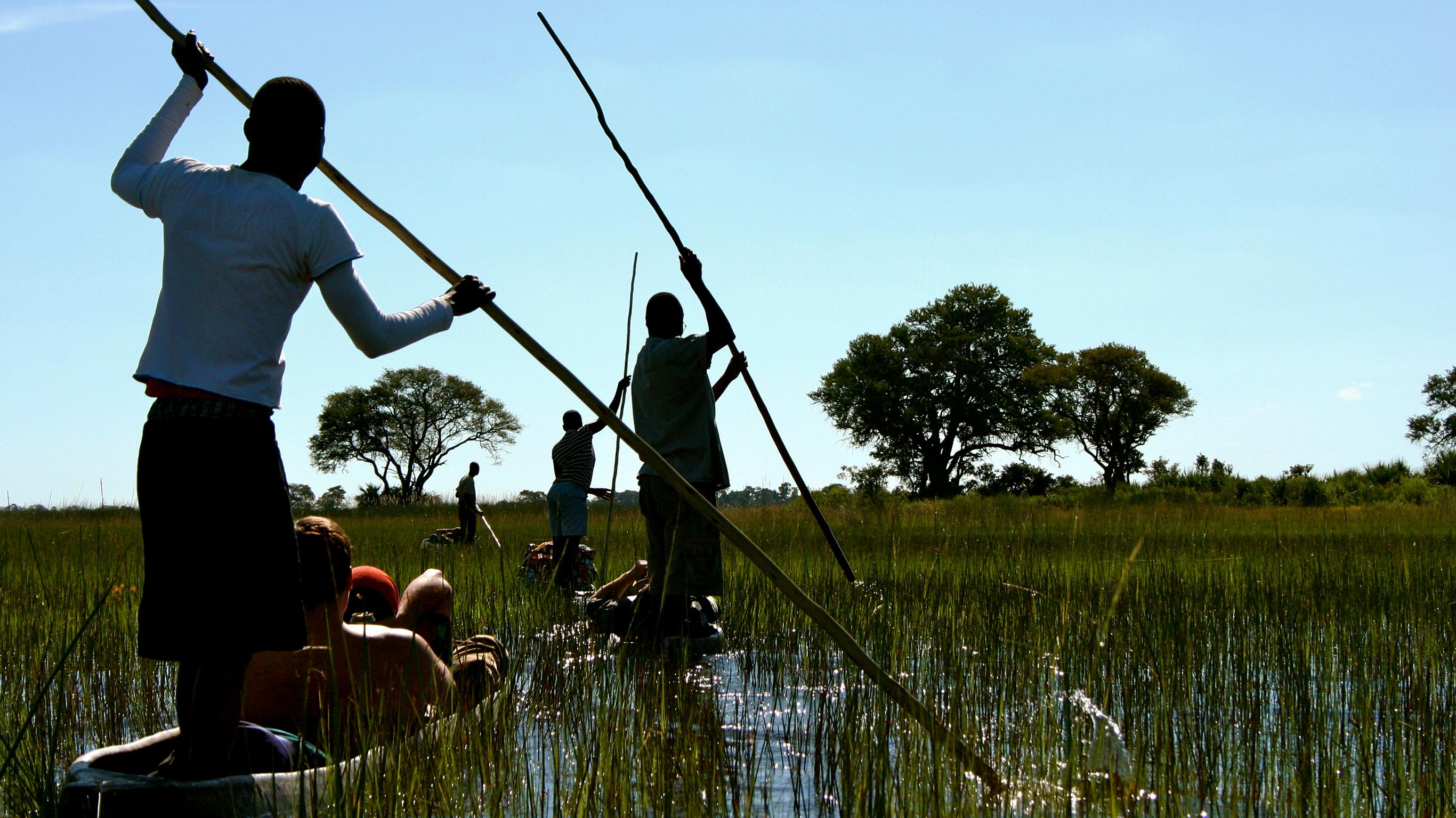 Deltas & Wasserfälle Ostwärts – Mokoros & Affenbrotbäume