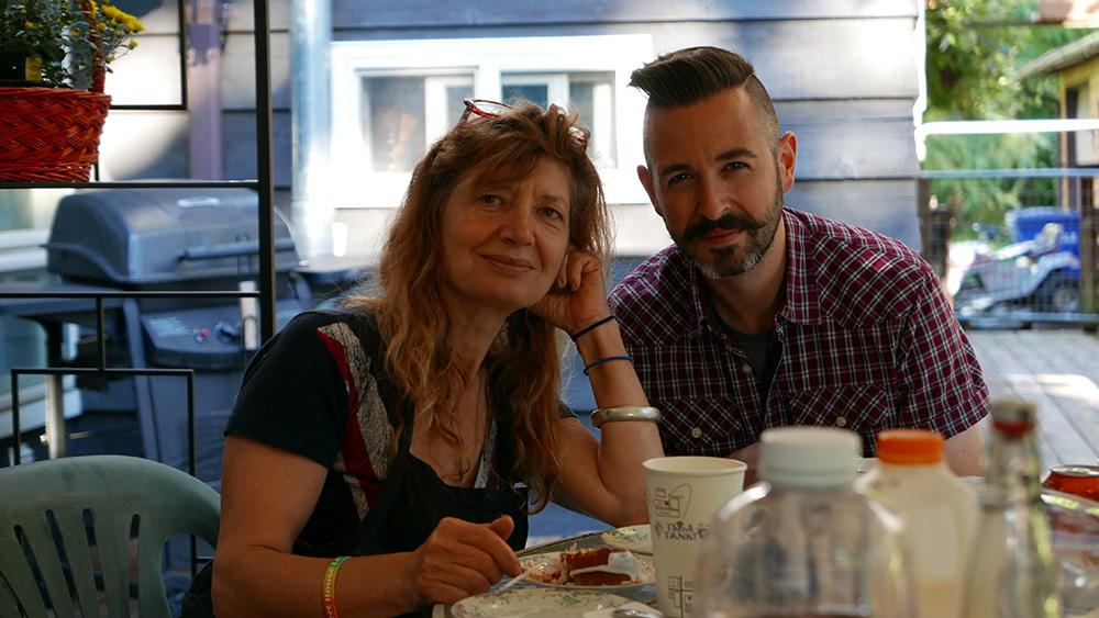 Geraldine DeRuiter's husband and mother. Photo courtesy of The Everywhereist.