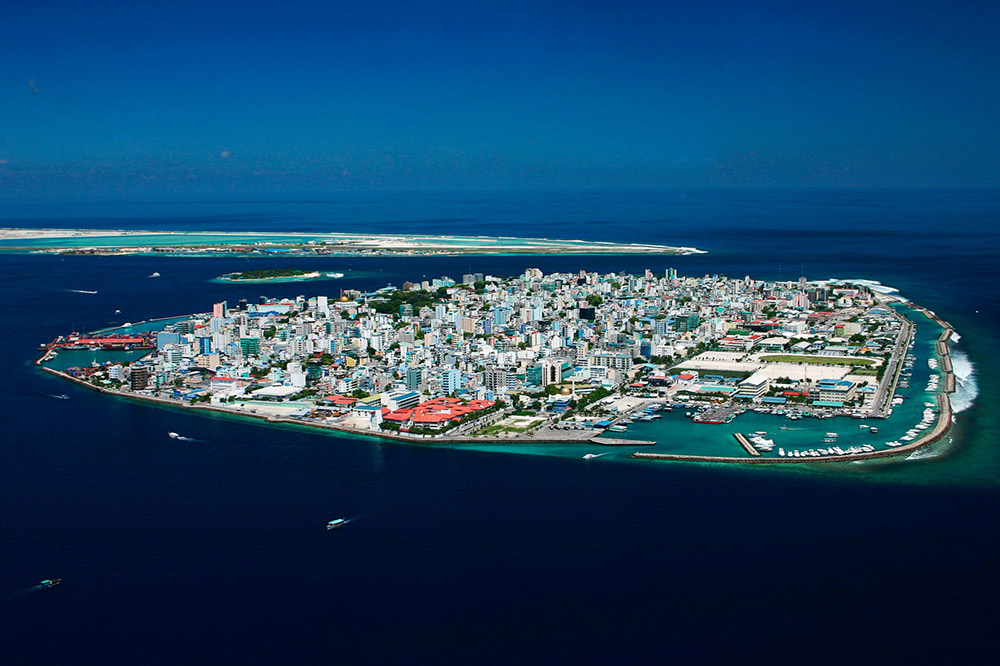 Spend a day in the thrumming Maldivian capital of Malé. Photo courtesy Wiki.