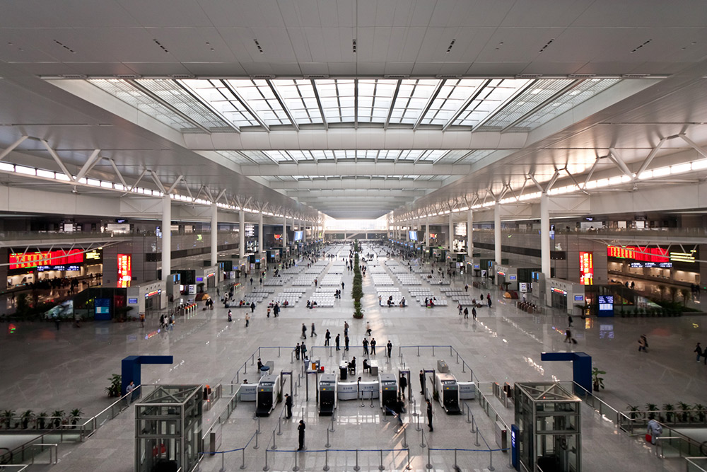 Hongqiao Train Station in Shanghai. Photo courtesy Sjekster.