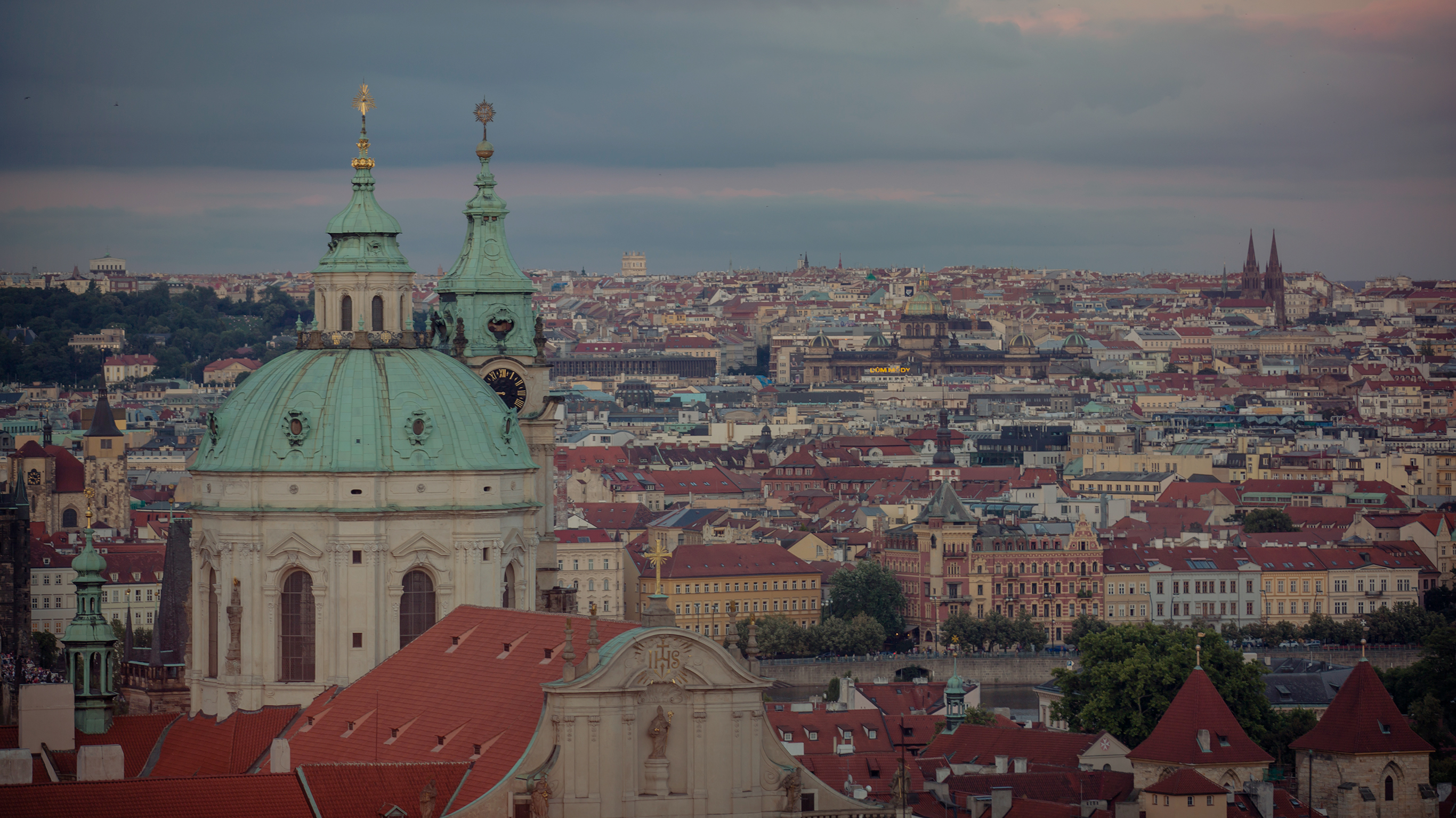48 Hours in...Prague