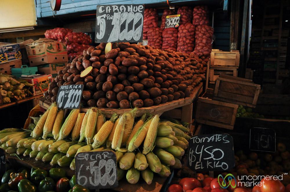 Lost in the vegetables of La Vega market.