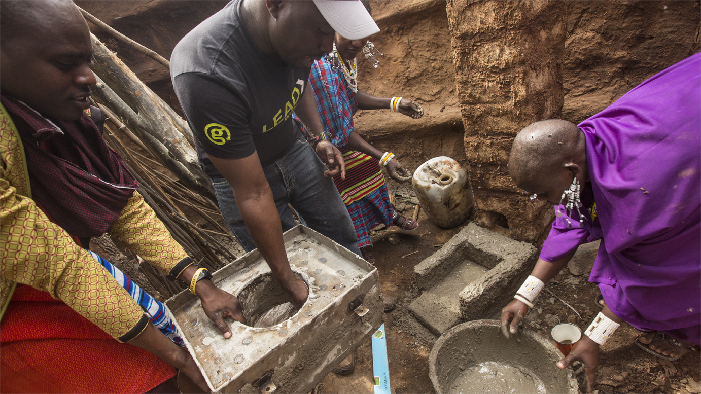 G Adventures has created a community tour that allows travellers to experience both the environment of a boma with and without a clean cookstove.