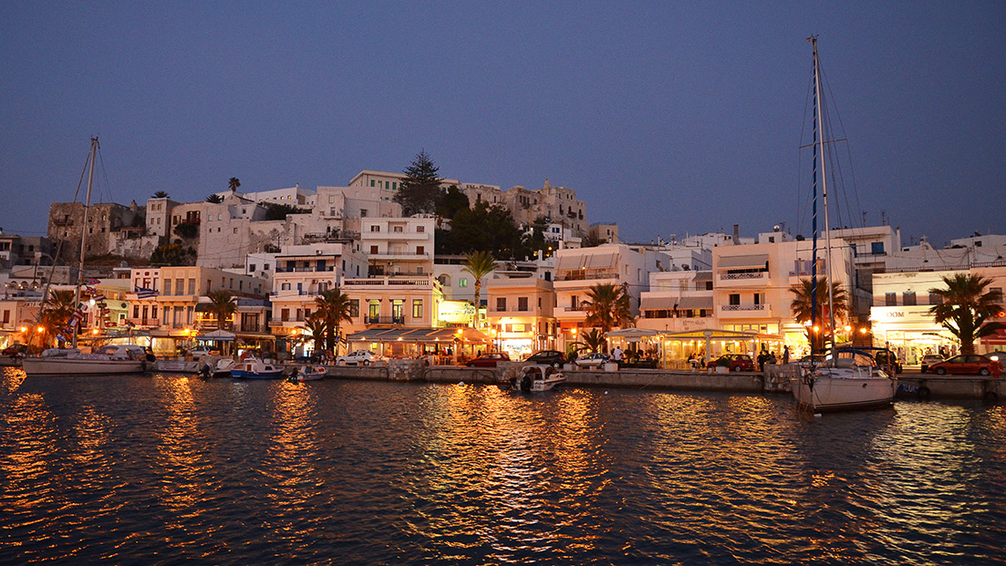 The night awaits in Naxos.