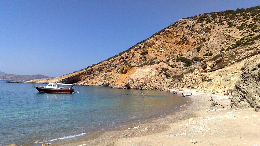 On Koufonisia you come for the food and stay for the beach. Photo courtesy Luca C.