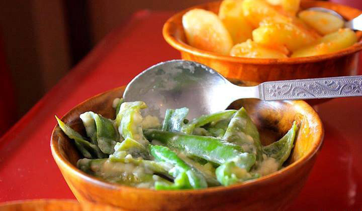 Bhutan's unofficial national dish, ema datshi, or cheese with green chili. Photo courtesy Wiki.