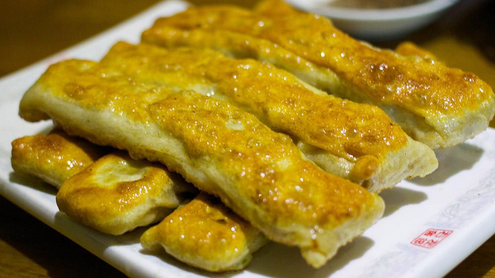 Traditional da lian huo shao dumplings. Photo courtesy LW Yang.