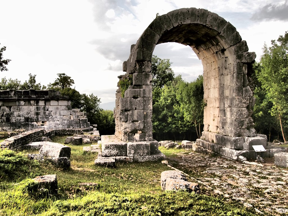 The Roman ruins of Carsulae. Photo courtesy of ReflectedSerendipity.