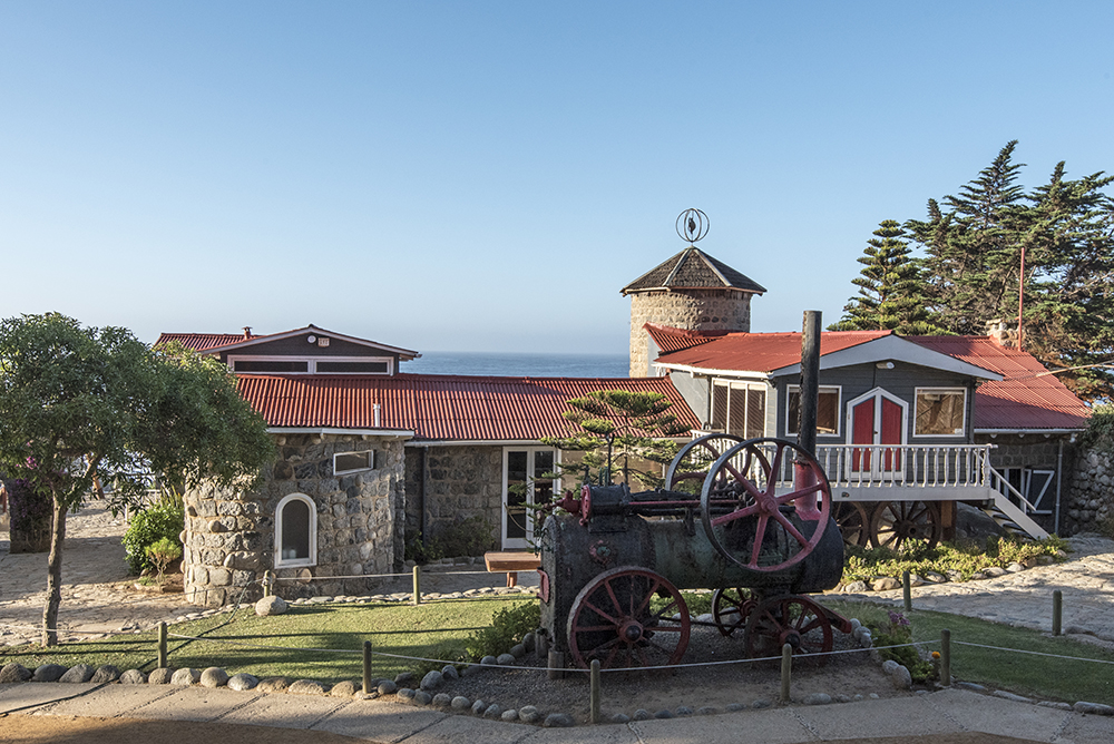 Quirky monuments and decorative touches on the grounds of Isla Negra.