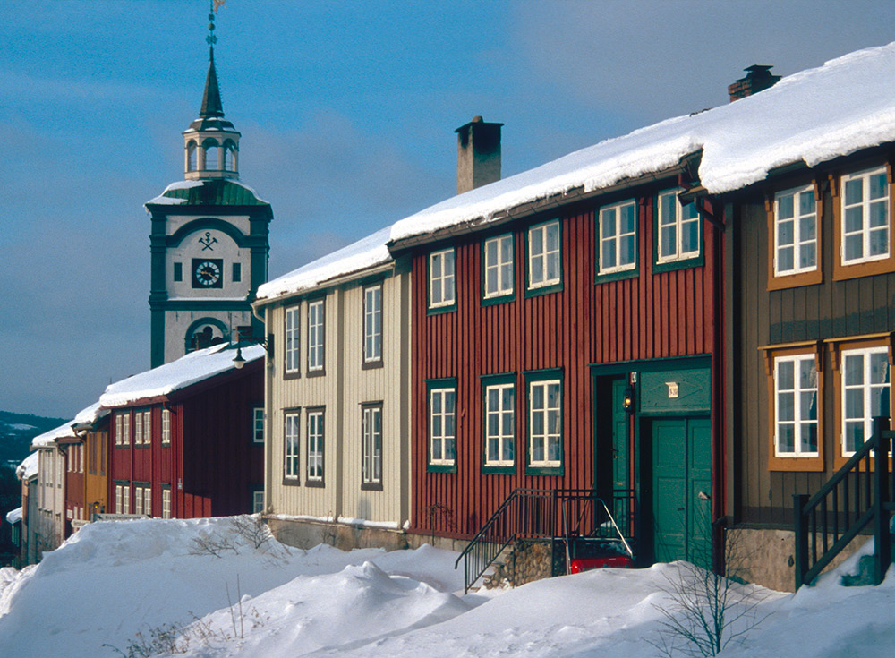 The traditional wooden houses of Røros. Photo courtesy Riksantikvaren.