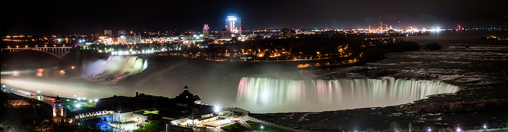 Niagara Falls by night. Photo courtesy of anpalacios.