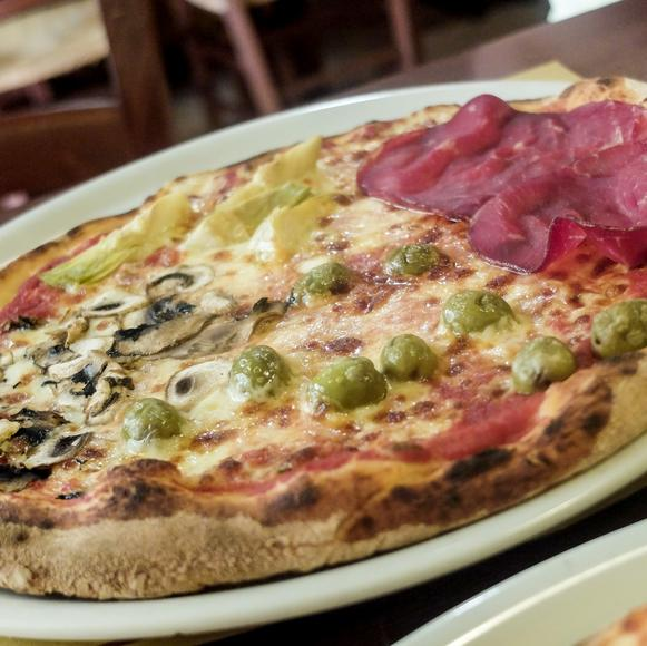 itinerary sq italy lucca food pizza lunch dscf2076 lg rgb jpg